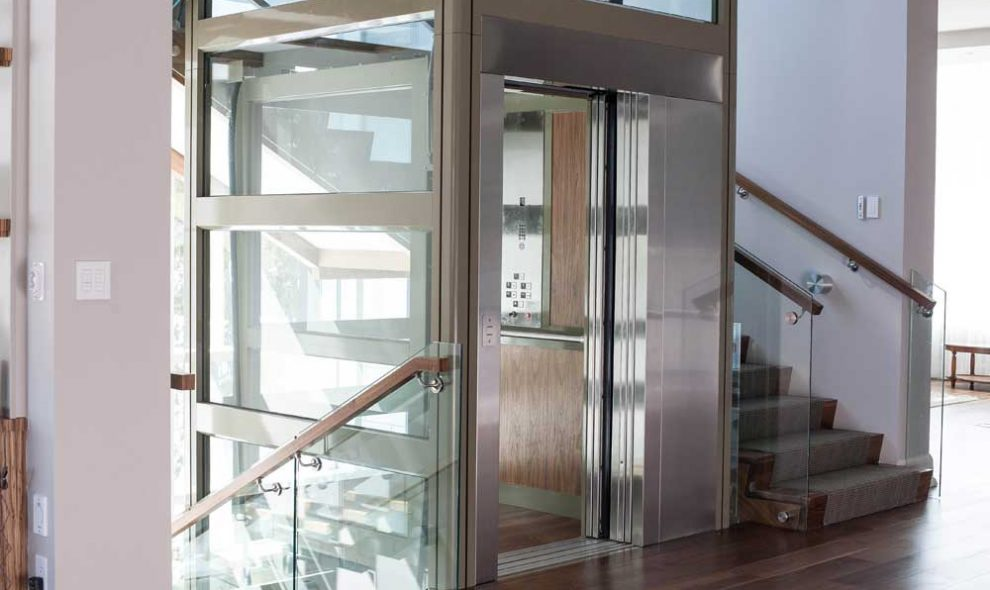 Garaventa elevator with stainless steel