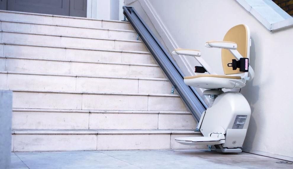 Acorn outdoor stair lift